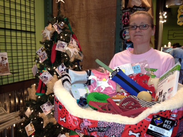 Picking up all the goodies from Tabitha that you donated to Intown Healthy Hound for our Angel Tree